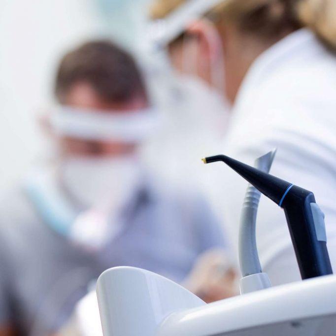 100.000 Euro Strafe? Staatsanwaltschaft ermittelt nach Impf-Drohung (Foto)
