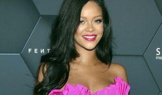 Sängerin Rihanna liefert ihren Fans bei Instagram eine äußerst sexy Dessous-Show. (Foto)