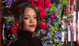 """Sängerin Rihanna lässt im """"Essence""""-Magazin ihren Popo blitzen. (Foto)"""