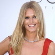 BH vergessen? Deutsches Supermodel versetzt Fans mit sexy Fotos in Ekstase (Foto)