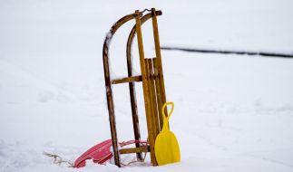Ein Unfall an einem Bahnübergang in Schweden forderte zwei Menschenleben, als ein Zug mit einem Schlitten kollidierte (Symbolbild). (Foto)
