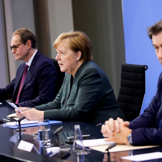 Merkel völlig genervt! Bei dieser Attacke flogen die Fetzen (Foto)