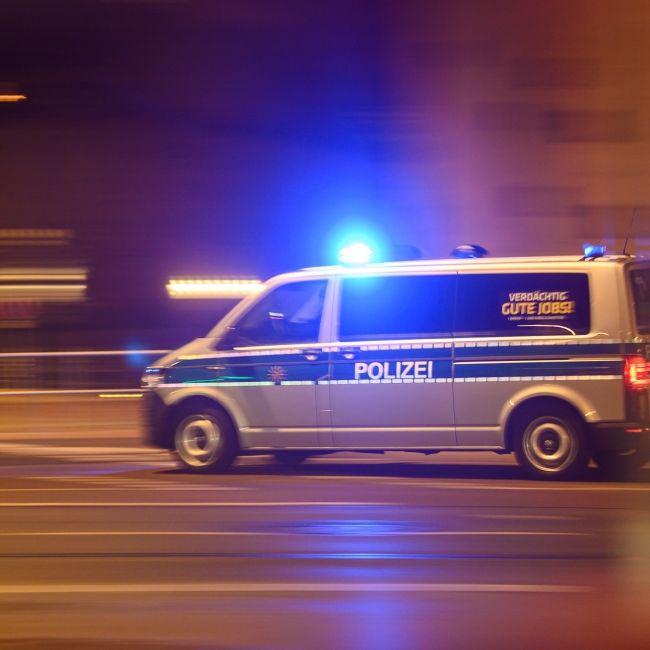 Drei Tote! Auto rutscht in Fußgänger - Stand der Fahrer unter Drogen? (Foto)