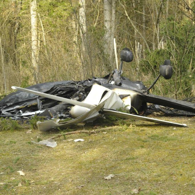 Flugzeug ging in Flammen auf! Vier Fußballer und Club-Präsident tot (Foto)