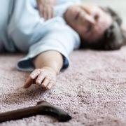 Grausame Folter! Pflegerin quälte Demenzkranke vor laufender Kamera (Foto)
