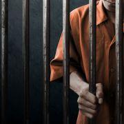 Nach Notenstreit! Jugendlicher (15) tötet eigene Mutter - 45 Jahre Haft (Foto)