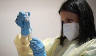 """Zu wenig Impfdosen geordert, mysteriöse """"Lieferengpässe"""" bei den Herstellern - der Impfplan der Bundesregierung gerät mächtig ins Wanken. (Foto)"""