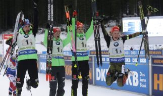 Ob die deutsche Damen-Staffel bei der Biathlon-WM 2021 wieder ausgiebig jubeln kann? (Foto)