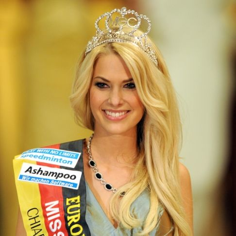 Heißes Sonnenbad! Miss Germany versetzt Fans mit Bikini-Bild in Ekstase (Foto)