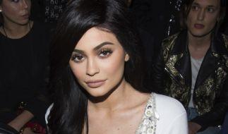 Im tief ausgeschnittenen, knallengen Dress bringt Kylie Jenner das Netz zum Schmelzen (Foto)