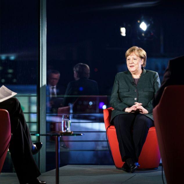 """""""Wie bitte?"""" Bundeskanzlerin bekennt Farbe - und bringt Twitter zur Weißglut (Foto)"""