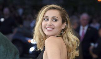 Miley Cyrus ging mit einem anzüglichen Tanz-Video auf Männerfang (Foto)