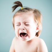 Pädophile Babysitterin missbraucht Mädchen (18 Monate) - Knast! (Foto)