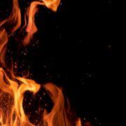 Epische Fotos zeigen Feuer-Hölle! Flammen färbten Himmel hellrot (Foto)