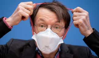 Bei Gegnern der Corona-Maßnahmen ist Karl Lauterbach teilweise sehr unbeliebt - der Epidemiologe erhält Morddrohungen und Beleidigungen (Foto)