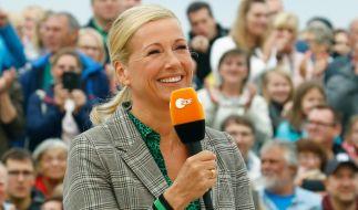 "Andrea Kiewel grüßt aus der ""Fernsehgarten""-Pause. (Foto)"