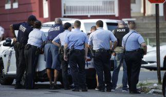 Die Polizei in Philadelphia konnte nach einer Schießerei mit acht Verletzten eine Festnahme vermelden (Symbolbild). (Foto)