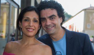 """Rolando Villazón und seine Ehefrau Lucia Villazón bei der Premiere der Oper """"Lucio Silla"""", komponiert von Wolfgang Amadeus Mozart, bei den Salzburger Festspielen 2013. (Foto)"""