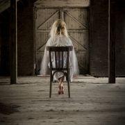 Gruselige Aufnahmen! Blonder Geist im Brautkleid auf Video festgehalten (Foto)