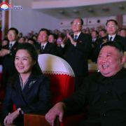 Zwischen Chanel und Champagner! So protzig lebt Kims Luxus-Frau (Foto)