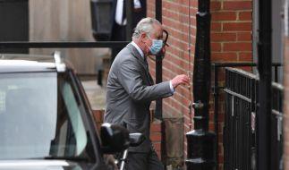 Prinz Charles besuchte seinen Vater Prinz Philip im Krankenhaus. (Foto)