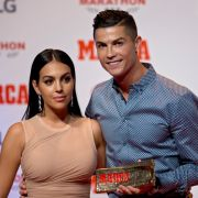 Komplett nackt! SO darf sie sonst nur Cristiano Ronaldo sehen (Foto)