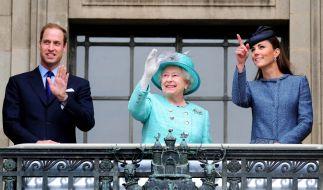 Die britische Königsfamilie zeigt sich am selben Tag im Fernsehen, an dem das TV-Interview mit Prinz Harry und Herzogin Meghan ausgestrahlt wird. (Foto)