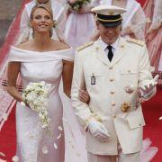 Charlene Wittstock und Fürst Albert nach der kirchlichen Trauung 2011.