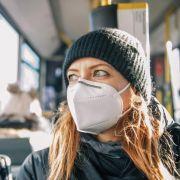Nur bedingt geeignet! Experten warnen vor undichten Masken (Foto)