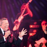 Schlagersänger Roland Kaiser singt beim Auftakt seiner Arena-Tour 2018/2019.