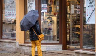 Trotz steigender Infektionszahlen könnte der Einzelhandel bald seine Türen wieder öffnen. (Foto)
