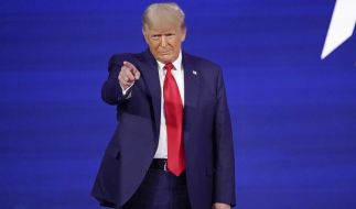 Bei seinem ersten öffentlichen Auftritt seit seinem Ausscheiden aus dem Amt hat der frühere US-Präsident Donald Trump die Neugründung einer eigenen Partei ausgeschlossen. (Foto)