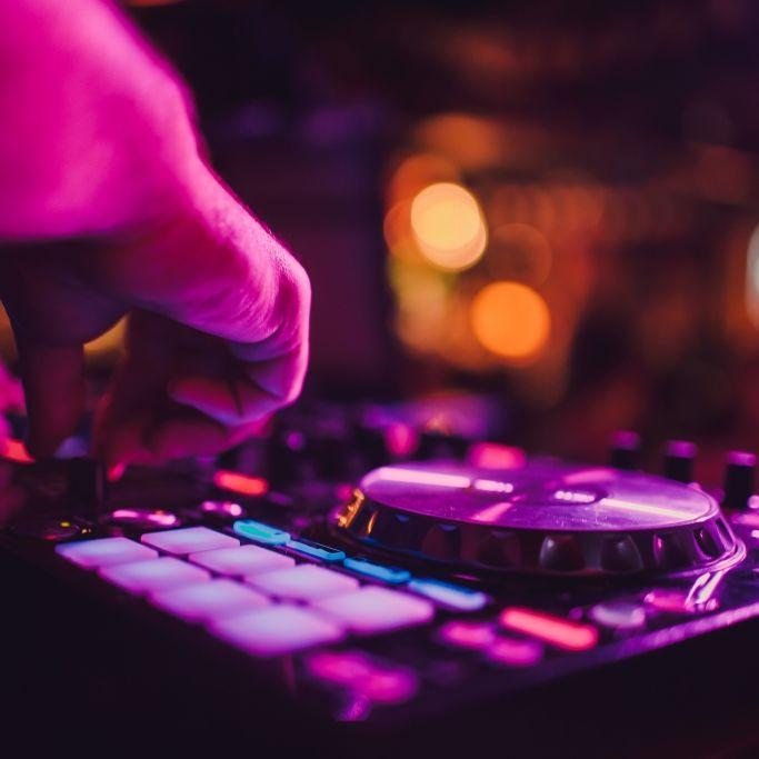 Tumor-Schock! DJ und Star-Friseur (45) gestorben (Foto)