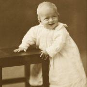 Prinz Philip als Baby im Jahr 1922.