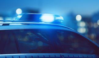 Nahe Göttingen wurde die Leiche einer 16-Jährigen auf einer Landstraße gefunden. (Foto)