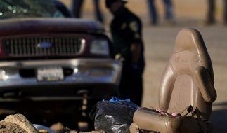 Bei einem schweren Unfall mit einem Laster und einem Auto im Süden des US-Bundesstaats Kalifornien sind Medienberichten zufolge mehrere Menschen gestorben. (Foto)
