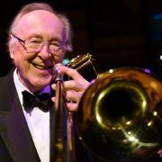 Musikwelt unter Schock! Jazz-Legende mit 90 Jahren gestorben (Foto)