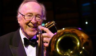 Der britische Posaunist, Sänger und Jazz-Bandleader Chris Barber ist im Alter von 90 Jahren gestorben. (Foto)