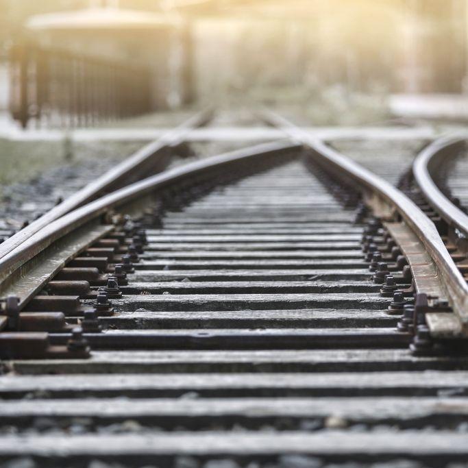 Kopf abgetrennt! Mädchen (9) von Zug getötet (Foto)