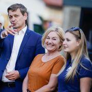 Bernhard Vogel (CDU), ehemaliger rheinland-pfälzischer Ministerpräsident, Christian Baldauf, Fraktionsvorsitzender der rheinland-pfälzischen CDU, dessen Frau Martina und die gemeinsame Tochter (v. l. n. r.).