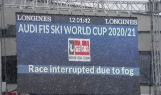 Die Ski-alpin-Abfahrt der Herren in Saalbach-Hinterglemm musste am Freitag wegen schlechten Wetters unterbrochen werden. (Foto)