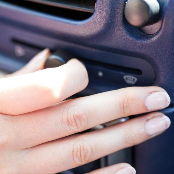 Pollen-Allergie Ade! Jetzt denInnenraumluftfilter im Auto wechseln (Foto)