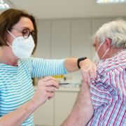 Karl Lauterbach warnt vor Impf-Trödelei! DESHALB sollten Hausärzte jetzt impfen (Foto)