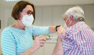 Vor dem Corona-Impf-Gipfel: Wann dürfen Hausärzte endlich impfen? (Foto)