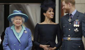 Queen Elizabeth II. will sich offenbar mit Prinz Harry und Meghan Markle aussprechen. (Foto)