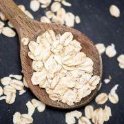 Haferflocken-Auflauf am Morgen schmeckt auch als leckere Ofen-Variante (Foto)