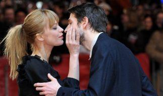 """Heike Makatsch und ihr Ex-Freund, der Musiker Max Schröder, vor der Premiere des Films """"The International"""" im Jahr 2009. (Foto)"""