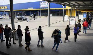 """Ikea-Kunden müssen sich beim """"Click und Meet"""" derzeit auf lange Warteschlangen einstellen. (Foto)"""