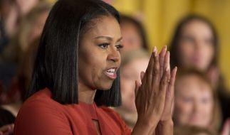 Michelle Obama hat sich zum Interview von Meghan und Harry geäußert. (Foto)