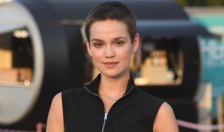 Emilia Schüle ließ sich für eine Filmrolle die Haare abrasieren. (Foto)